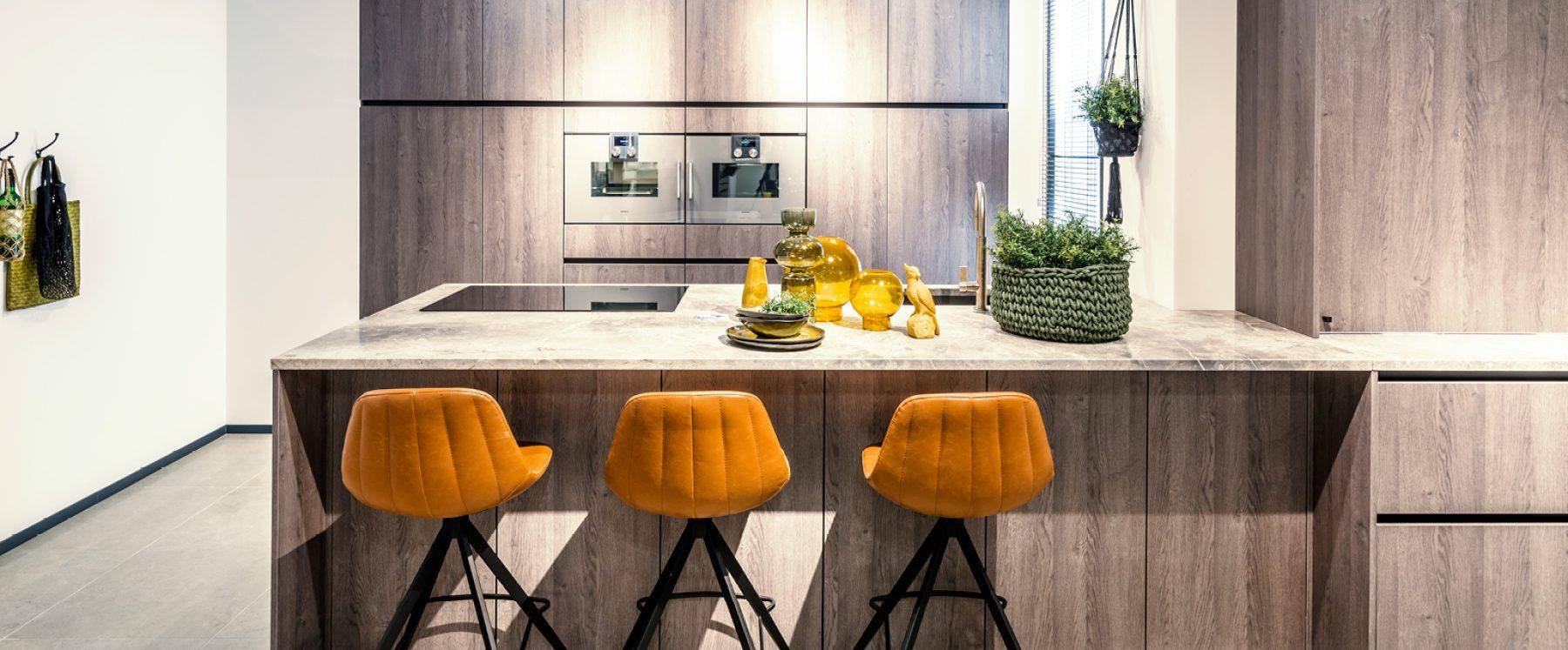 Open keuken me marmeren keukenblad